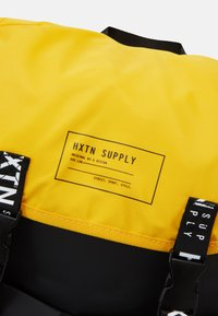 HXTN Supply - UTILITY BALANCE BACKPACK UNISEX - Batoh - black - 3