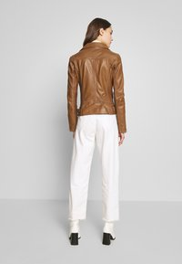Oakwood - ADELE - Leather jacket - cognac - 2