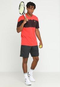 Nike Performance - DRY SHORT - Pantalón corto de deporte - black/black/black - 1