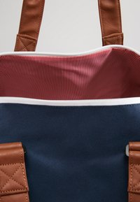 Herschel - NOVEL - Reiseveske - navy - 8