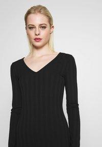 Pieces - PCNING DRESS - Pouzdrové šaty - black - 3