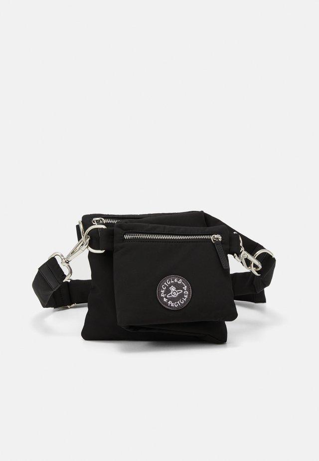 CLINT BUM BAG/CROSSBODY - Riñonera - black