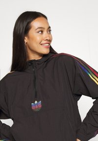 adidas Originals - PAOLINA RUSSO CROPPED HALFZIP - Windbreaker - black - 3