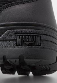 Hi-Tec - MAGNUM CLASSIC MID - Hiking shoes - black - 5