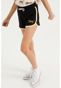 WE Fashion - 2-PACK - Shorts - black - 3