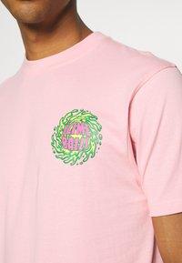 Santa Cruz - SLIMEBALLS UNISEX - T-shirt imprimé - pink - 5