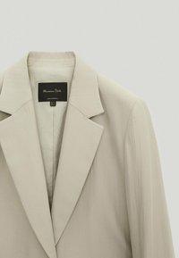 Massimo Dutti - Krótki płaszcz - light grey - 2