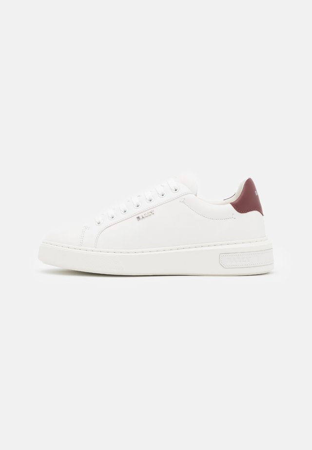 MIKY - Sneakersy niskie - white