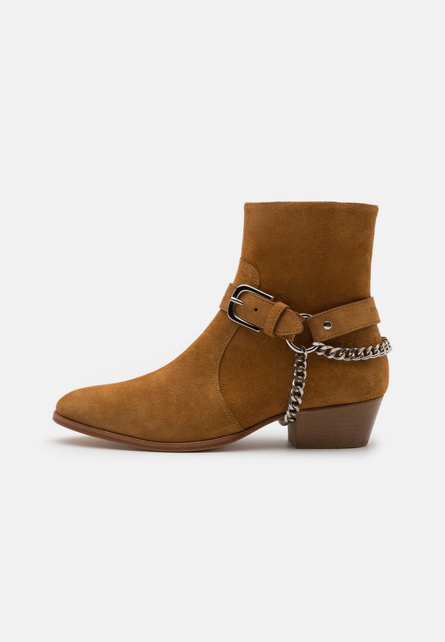ZIMMERMAN CHAIN BOOT - Cowboy/biker ankle boot - tabacco road
