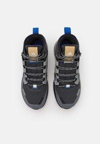 adidas Performance - TERREX TRAILMAKER MID COLD.RDY - Hikingskor - grey six/core black/halo blue - 3