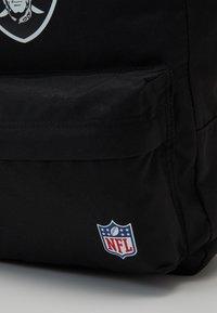 New Era - NFL STADIUM PACK - Rucksack - black - 4
