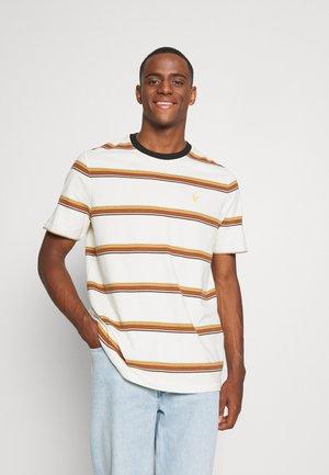 STRIPE - T-shirt con stampa - vanilla ice
