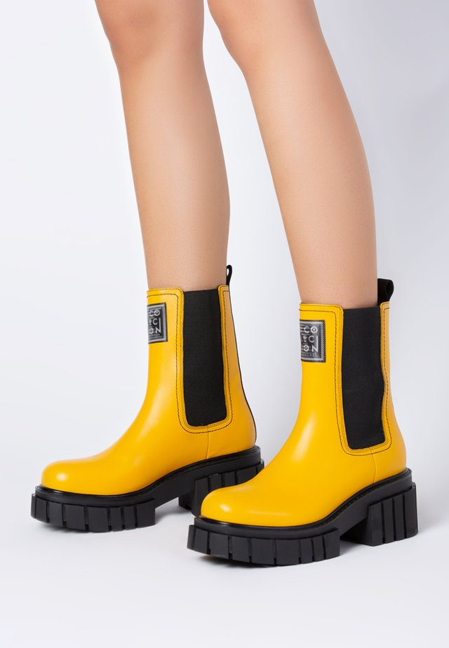 Ankle boot - yellow