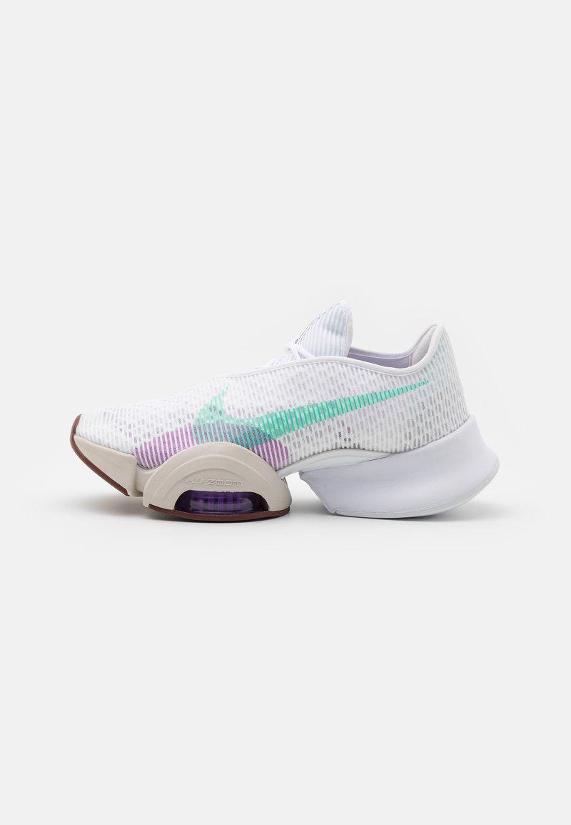 Nike Performance - AIR ZOOM SUPERREP 2 - Zapatillas de entrenamiento - white/green glow/bronze eclipse/violet shock/light bone/laser orange