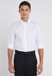 Filippa K - JAMES STRETCH SHIRT - Finskjorte - white - 0