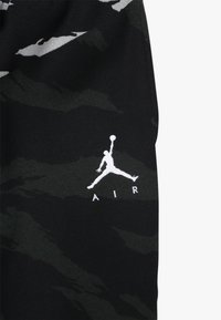 Jordan - JUMPMAN PANT CAMO - Teplákové kalhoty - black - 3