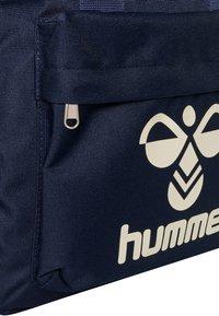 Hummel - Rucksack - black iris - 3