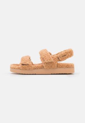 CLOUD - Korkeakorkoiset sandaalit - beige