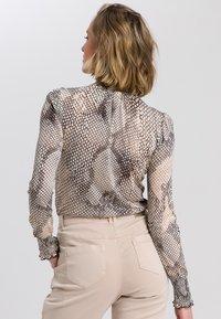 Marc Aurel - Button-down blouse - light sand varied - 2