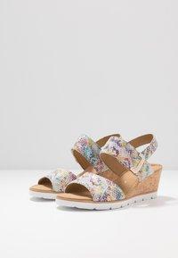Gabor - Sandály na klínu - multicolor - 4