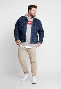 Levi's® Plus - BIG TRUCKER - Veste en jean - colusa - 1