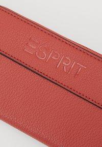 Esprit - FARGO - Wallet - cinnamon - 3