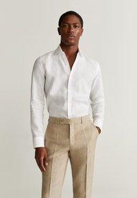 Mango - FLORIDA - Pantalon de costume - open beige - 3
