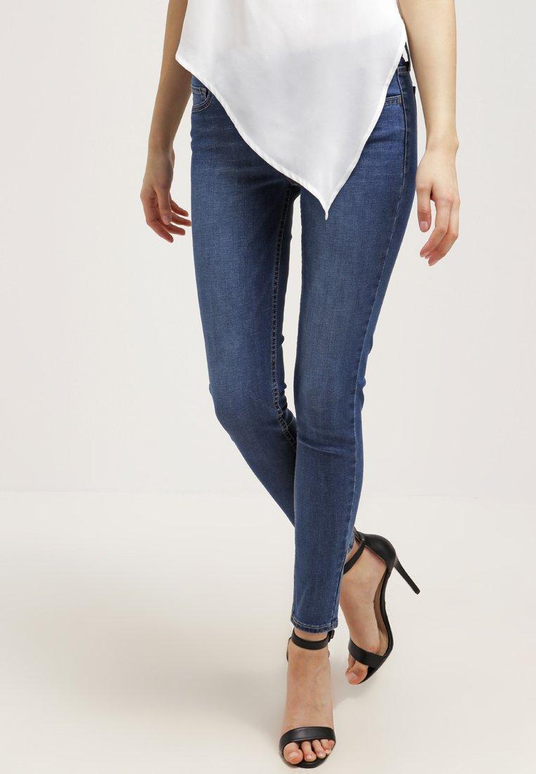 Levi's® - 710 INNOVATION SUPER SKINNY - Jeans Skinny Fit - darling blue