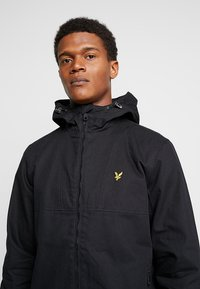 Lyle & Scott - JACKET - Summer jacket - true black - 4