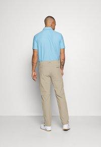 Oakley - TAKE PRO PANT  - Trousers - rye - 2