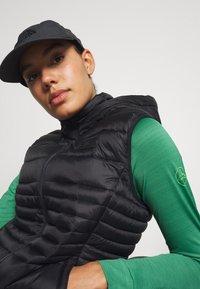La Sportiva - DASH LONG SLEEVE - Sports shirt - grass green - 4