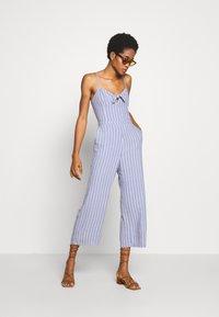 Abercrombie & Fitch - TIE FRONT - Jumpsuit - blue/white - 1