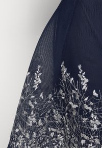 DKNY - EMBROIDERED FIT AND FLARE - Robe fourreau - midnight/ivory - 4