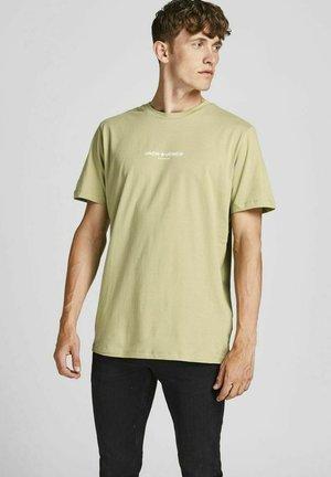 Print T-shirt - new sage