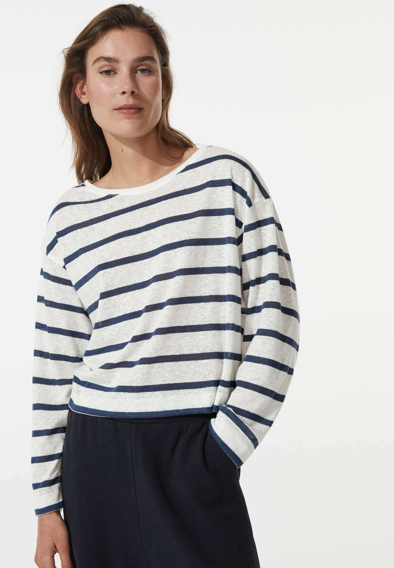 OYSHO - Long sleeved top - white