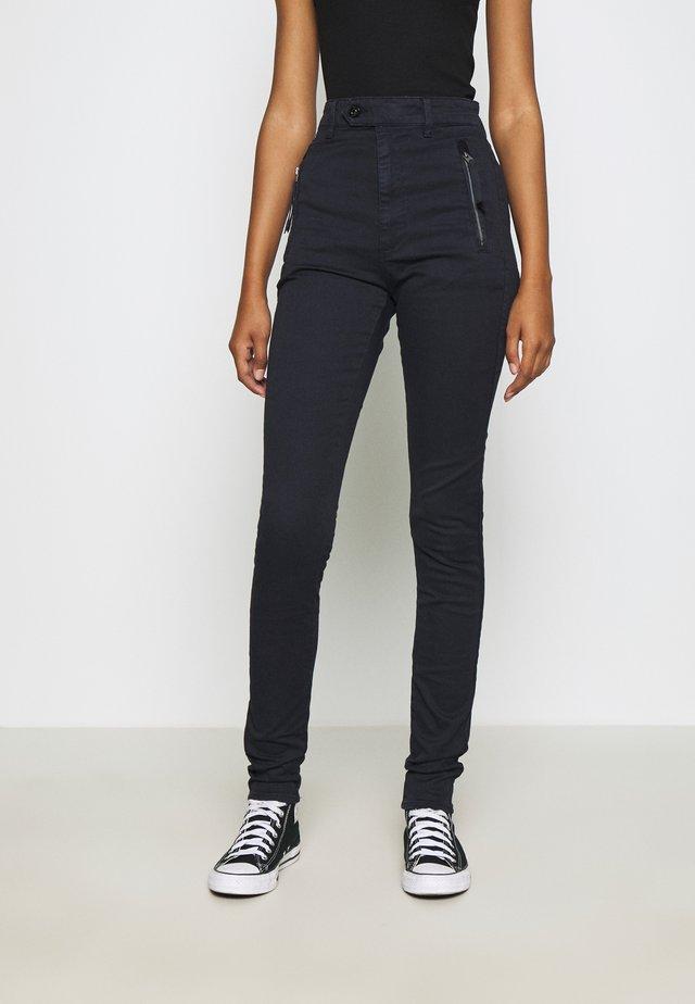 WELD HIGH SLIM CHINO WMN - Jeans Skinny Fit - mazarine blue