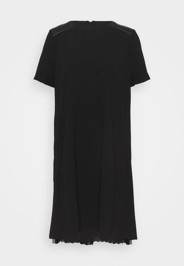 DRESS PLEATED BACK - Cocktailjurk - black