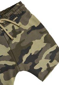 Next - CAMOUFLAGE SHORTS (3MTHS-7YRS) - Shorts - green - 2