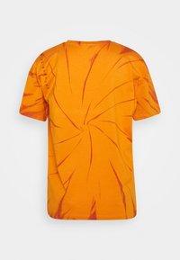 BLANCHE - MAINTIE DYE - T-shirt imprimé - desert sun - 1