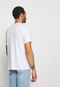 Champion Rochester - CREWNECK - Print T-shirt - white - 2