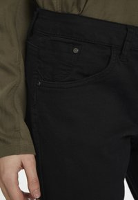 Cream - LOTTECR - Slim fit jeans - pitch black - 3