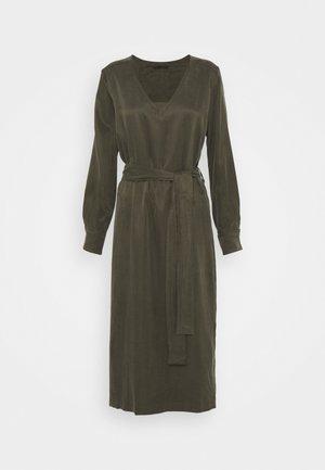 AFFRA - Day dress - grün