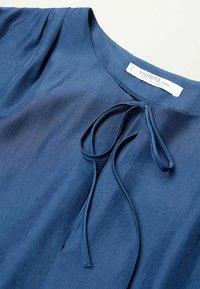 Violeta by Mango - FLIESSENDE  - Long sleeved top - blau - 5