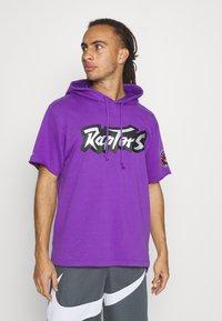 Mitchell & Ness - NBA TORONTO RAPTORS GAMEDAY HOODY - Hoodie - purple/raptors purple - 0