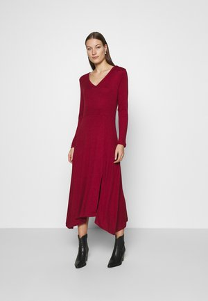 VNECK COZY - Jumper dress - mulled cranberry