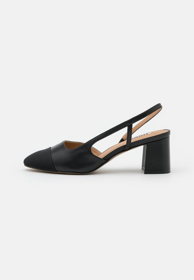 WIDE FIT CROFTS - Tacones - black
