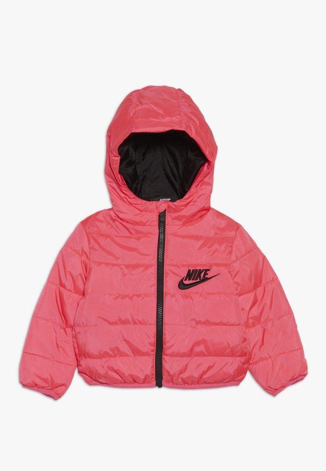 FILLED JACKET BABY - Chaqueta de invierno - racer pink/black