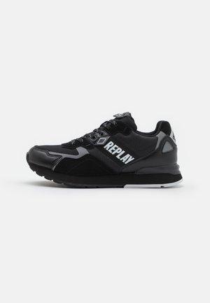 SPORT LEVEL - Trainers - black