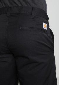Carhartt WIP - PRESENTER DUNMORE - Shortsit - black - 4