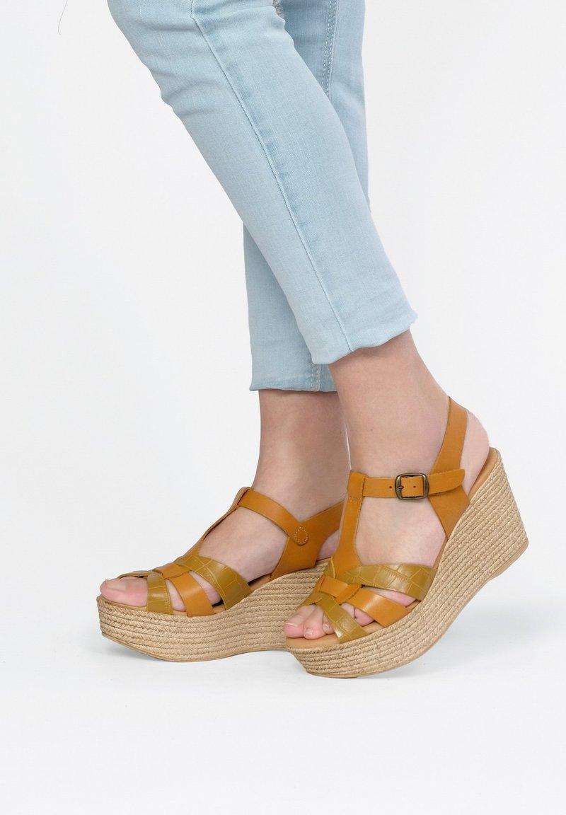 Maria Barcelo - High heeled sandals - Amarillo